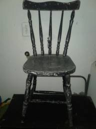 Cadeira antiga anos  80 tipo faroeste ou Boteco vendo ou alugo