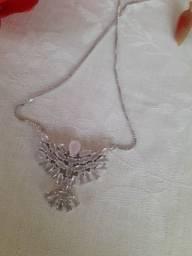 Colar Ródio Branco com Pingente em Espírito Santo em Pedras Navete Rosa Claro