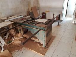 Máquina esquadrijadeira, 8 mil reais