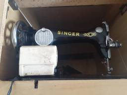 Máquina de Costurar Singer Antiga com Gabinete Incluso