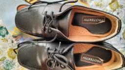 Título do anúncio: Sapato Social Tam.30. 50,00 Novissimo