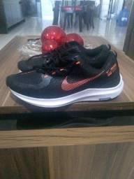 Tênis novo Nike.