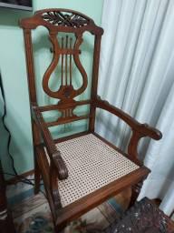 Título do anúncio: Par de cadeiras antigas
