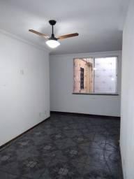 Apartamento Jardim das Limeiras. 2/4 com dependência 800.00