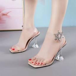 Sapato salto alto moda verão transparente