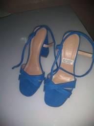Vendo dois pares de sandálias ambas da C&A,