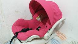 Bebê conforto Quinny com adaptação para o carro