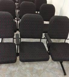 Título do anúncio: Cadeiras 4 lugares.