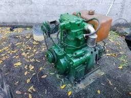 Motor diesel 12 hp com reversão