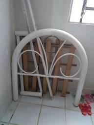 Uma cama e um roteador