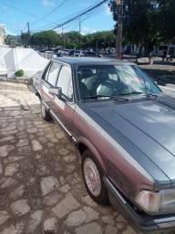 Del Rey, em perfeito estado para amantes de carros antigos