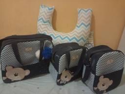 Kit com 3 bolsas mais uma almofada pra amamentar