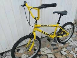 Bicicleta Caloi BMX toda original! Pneus Novos! Revisada!.