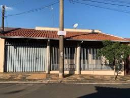 Título do anúncio: Casa para Venda em Araras, Conjunto Habitacional Narciso Gomes, 4 dormitórios, 1 banheiro,
