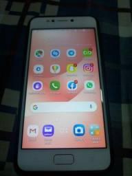 ZenFone 4Max