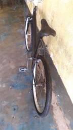 Bicicleta aro 26 toda boa é revisada