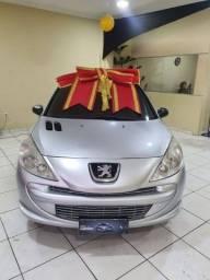 Peugeot  207 1.4 2013¥ boulevard automóveis com 1.000 de entrada no financiamento