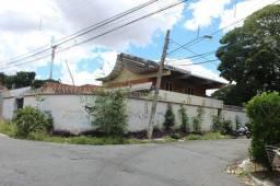 Casa belíssima no Setor Sul, projetada por renomado arquiteto brasileiro.
