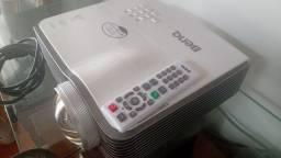 Título do anúncio: Projetor benq mx812st HDMI e 3d quase novo