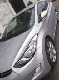Hyundai Elantra - 2012