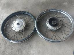 Vendo par de rodas de ferro de moto