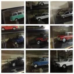 Lote de miniaturas de carros e caminhões