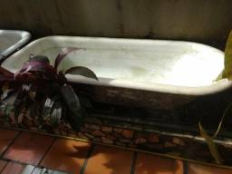Banheira antiga com 40 anos