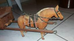 Charrete com cavalo madeira 60 cm