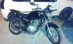 Vendo moto nova pouco rodada - 2014