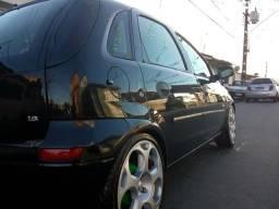 Corsa Hatch Maxx 1.8 / Roda aro 17 / 4 pneus novos - 2005