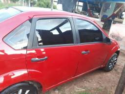 Vendo Fiesta Sedan 8.500 (PRA VENDER LOGO) - 2007