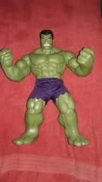 Vendo boneco hulk chama no zap 988324263