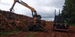 Carregador Florestal TMO em trator BH160
