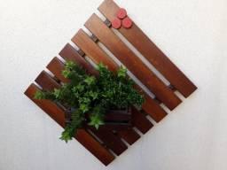 Floreira de parede, praticamente de graça ? 1ª linha