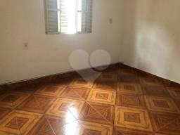 Casa de 1 quartos para locação, 50m2