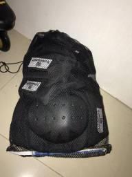 Patins Oxer Freestyle n 41 e kit de proteção