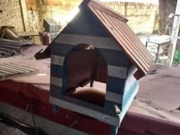 Casinha de madeira para cachorro/gato
