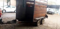 Trailer para cavalo madeira de lei trucada