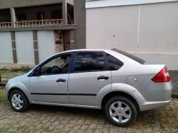 Fiesta sedan, 1.6, Prata, Completo