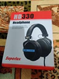Fone de ouvido Superlux hd330