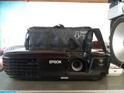 Projetor da epson s12 com 2800 lumens (zero) sem riscos apenas 120 hrs uso