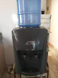 Título do anúncio: Geladeira de água  quase nova de tudo