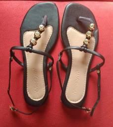 Título do anúncio: Vende se sandálias rasteirinha