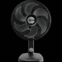 Ventilador De Mesa Malloryts30 Preto Com 6 Pás 220 Volts