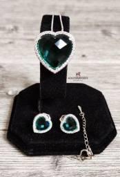 Título do anúncio:   Oferta Relâmpago! Olhem meninas! Conjunto Semijoia Esmeralda Artificial na cor verde !