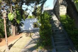 Casa Excelente próximo Lagoa da Pamplha, contra esquina da Av. Portugal,