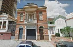 Casa com 03 quartos No Centro da Cidade de Piracicaba SP.