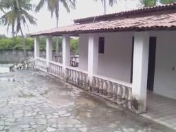 ALUGO CASA EM JACUMÃ