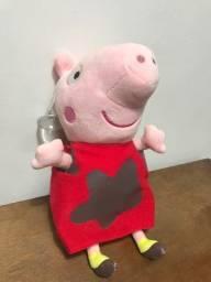 Boneca peppa pig em pelucia vendo, estado de nova