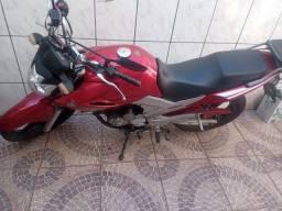 Vendo uma  moto. Yamaha fazer ys250  2008.